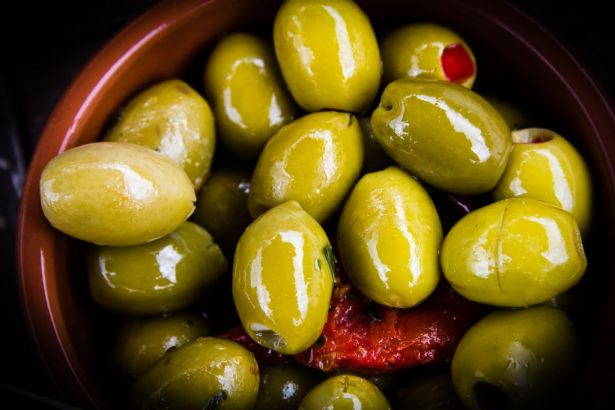 olive-you-european-table-olives-showcasing-superior-quality-and-taste