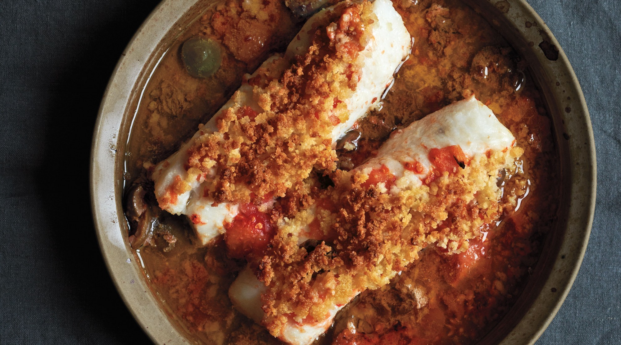 baked-cod-crushed-tomatoes_Ditte-Isager_LEDE